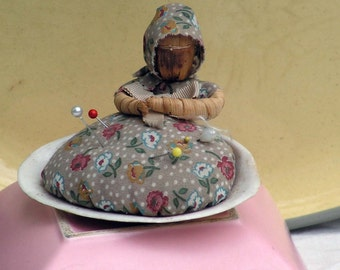 Corn Husk Doll Pincushion Clam Shell Vintage 1960s Primitive Sewing Aide