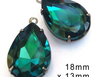 Emerald Green Glass Beads, Pear or Teardrop, 18mm x 13mm, Patina Brass Settings, One or Two Rings, Rhinestone, Earring Jewels, One Pair