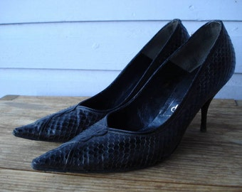 Vintage 1950s Black Stilettos Pointy Toed Shoes Reptile US7 2012538