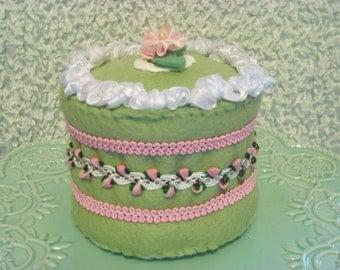 Mint Creme Felt Cake
