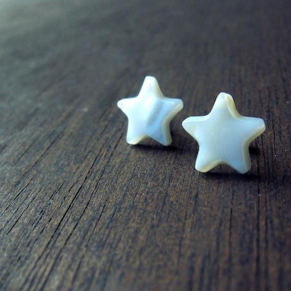 LAST PAIR - sale- mother of pearl stud star earrings vintage cab white silver post back earring studs