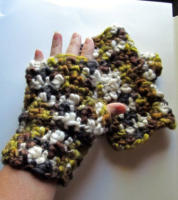 Chunky Fingerless Gloves Olive Green Brown and Cream Mix