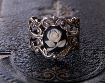 Rose Cameo Ring