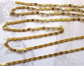 Vintage Brass Plated On Steel Scroll Chain (5 Feet) (CP229-A)