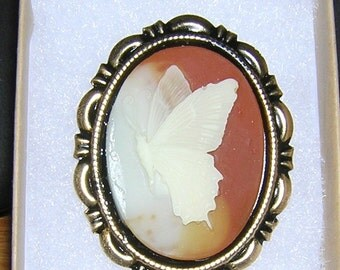 BUTTERFLY Cameo set in Antiqued Goldtone 30 x 40MM  2 tone background brown cream new beginnings
