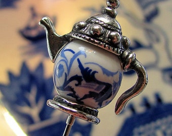 Blue Willow Tea Pot Victorian Hat Pin