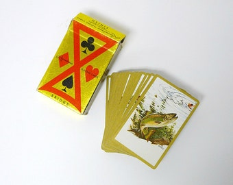 REMEMBRANCE . vintage playing cards