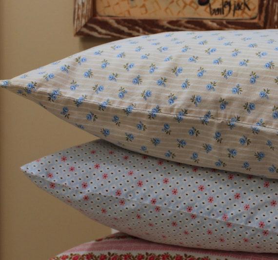 Vintage Pillow Cases - Flour Sack and Cotton Fabrics - 1930s - 1940s - Vintage Fabric - Fat Quarters
