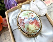 Vintage Mary Chess White Lilac Perfume Compact Pendant in Original Box