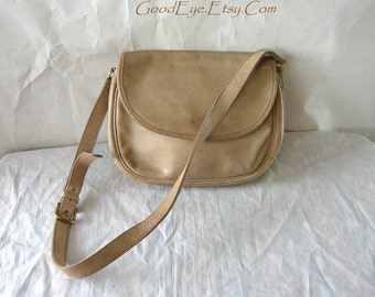 Vintage Coach Shoulder Bag DISTRESSED Leather Saddle Bag Crossbody medium size Messenger Tan