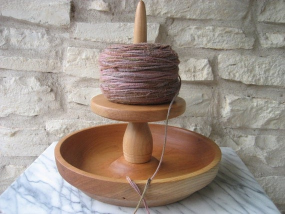 Knit Spinner with Bowl (Cherry)