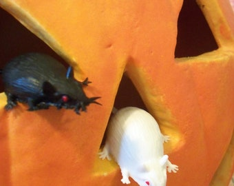 Vintage / Black Mice & White Mice / Halloween Decorations / Cupcake Toppers / Example