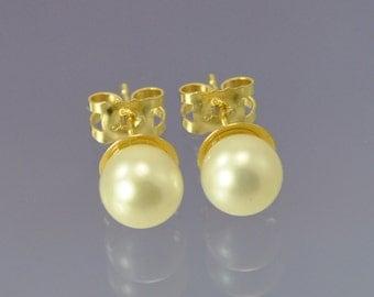 Pearl 9k Gold Earrings.