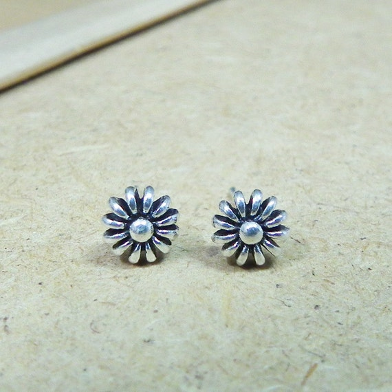 Rustic Daisy Oxidized Sterling Silver Earrings 925 - Gift under 15