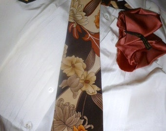 Pure Silk Necktie   and a Silk Square Pocket