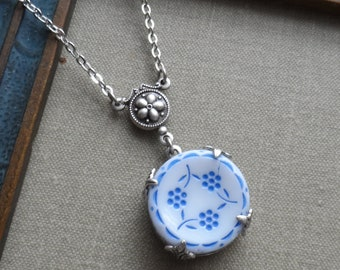 The Three Flowers, Vintage German Glass Button Necklace