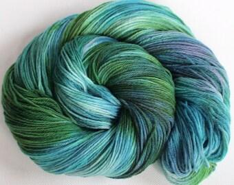 Hand dyed superwash merino bamboo 4 ply sock 3.3 ozs 430yds Oceanic
