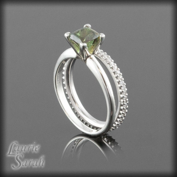 alexandrite engagement ring color changing alexandrite