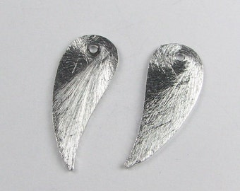 17mm Curved Wings Teardrops Shaped Bali Sterling Silver Brushed Line Texture Charms Components (2 beads)