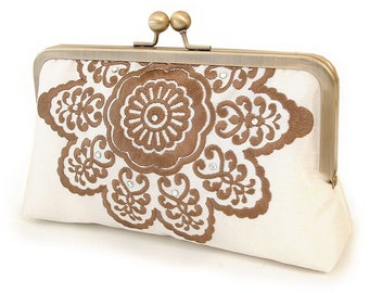 ON SALE: Cocoa belle clutch, embroidered bridal purse / wedding accessory / bridesmaid gift