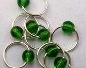 Snagless emerald (M) silver stitch markers