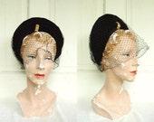 1930s Velvet Hat / Vintage Veiled Black Widow Hat