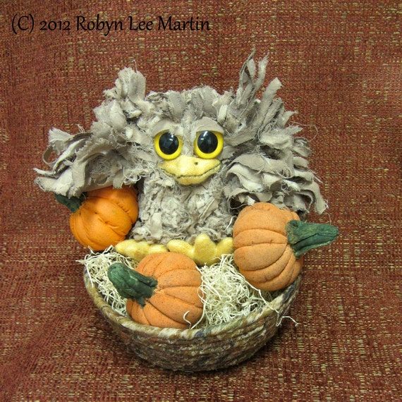 Primitive Owl Doll Soft Sculpture Pumpkins