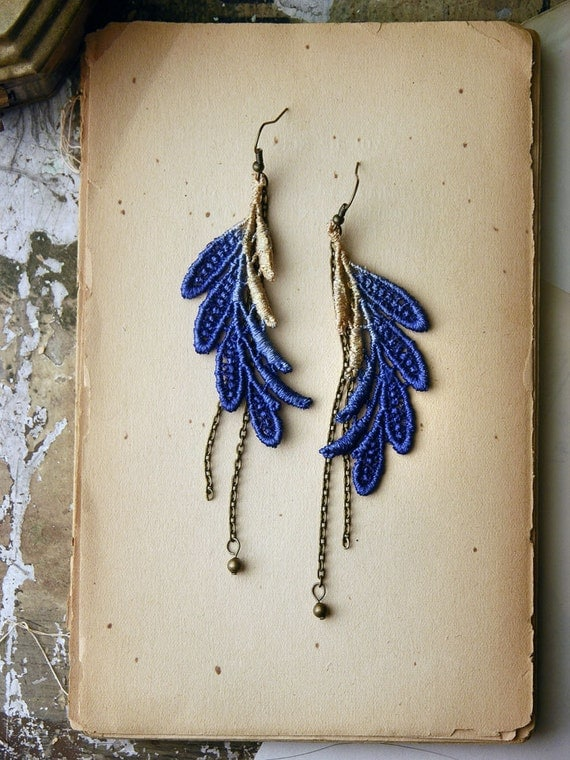 feather lace earrings // ELSA // cobalt and gold ombre // long earrings / lace leaf earrings / hippie style / festival jewelry / boho chic