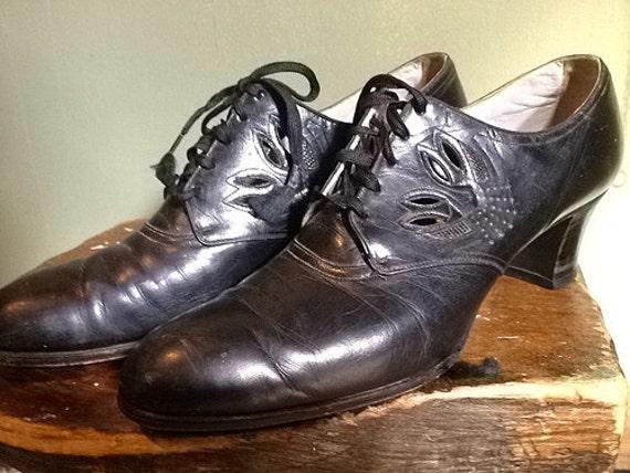1930s // Black Heels// size 8.5 narrow