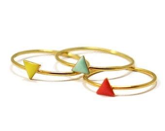 Triangle Enameled Modern Gold Ring // Enamel in Geometric Settings on a Thin, Dainty Gold Vermeil Band // Stackable ring