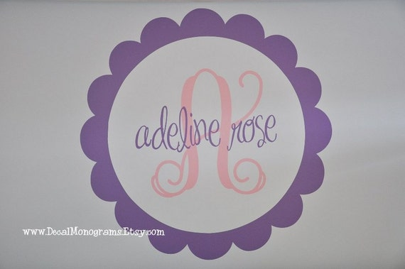 Scallop Initial and Name Vinyl Wall Decal