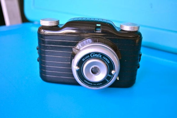 Vintage Deluxe Cinex Camera with Bake Lite, 1940s