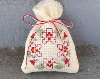 Pansy Sachet (Red and White) with Lavender