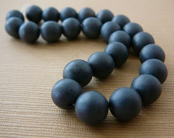 Vintage .. Czech Glass Beads 8mm Charcoal Grey Gunmetal Gray