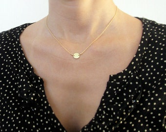 Tiny Gold Disc Necklace / Gold Dot Necklace / Simple Gold Necklace / Small Delicate Necklace
