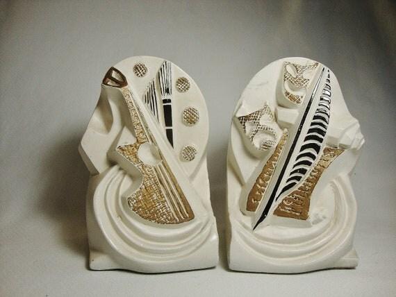 vintage sculptureline arts and drama chalkware bookends