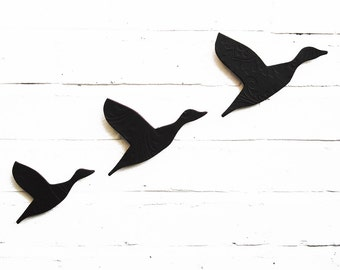 Ceramic Wall Art Black Flying Ducks Artwork For Men & Women Gift for Guys Masculine Decor Modern Retro 3D Bathroom Living Room