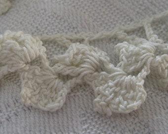 VINTAGE White Crocheted Applique Round Lace Trim
