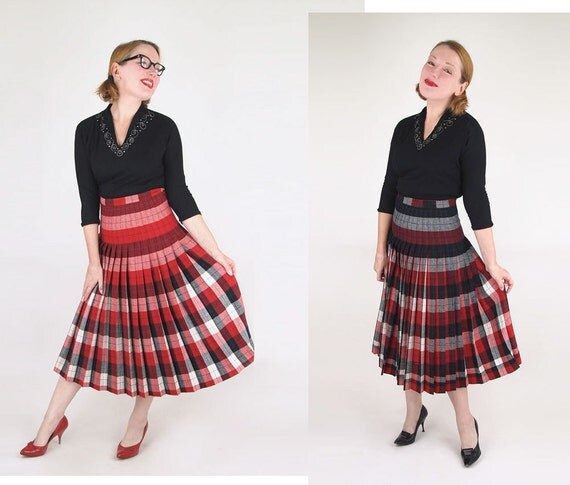 "50s Reversible Red & Black Plaid Wool Pleated Skirt 26"" Waist"