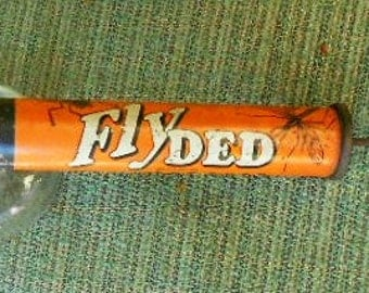VINTAGE BUG SPRAYER, FlyDed, great color, graphics, U S Made, Garden decor, shabby chic,