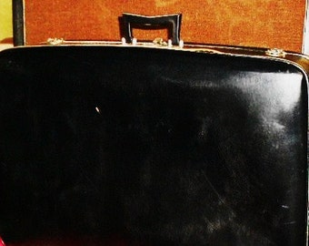 Vintage BLACK VINYL SUITCASE, luggage, nice gray interior, mancave baggage, Leeds, Eastern Airlines
