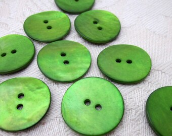 10 Medium Leaf Green Shell Buttons