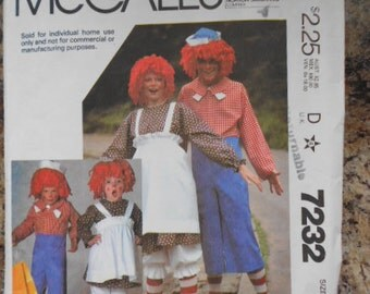 1978 McCalls Raggedy Ann Raggedy Andy Costume Pattern Uncut Size 10-12 The Bobbs Merrill Co Inc
