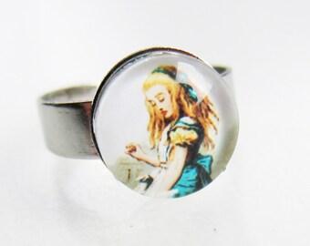 Alice in Wonderland Image Ring - Drink Me Image