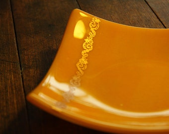 Marigold Glass Bowl with Delicate Filigree in Golden Mica
