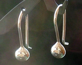 Solid Silver Drop Earrings / Argentium Sterling Silver Handmade Drop Hook Earrings / Minimalmist Modern Simple Small Everyday Wear Feminine