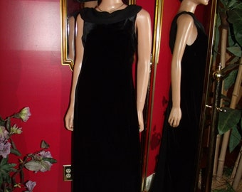 Vintage Black Velvet Flapper Dress  Tea Party  Cocktail  Size 10