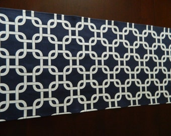 Navy and White Chain Link Table Runner. Contemporary, Modern Table Runner. Great Bridal Shower or Birthday Gift.