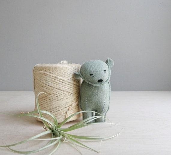 pocket bear / royce / green bear