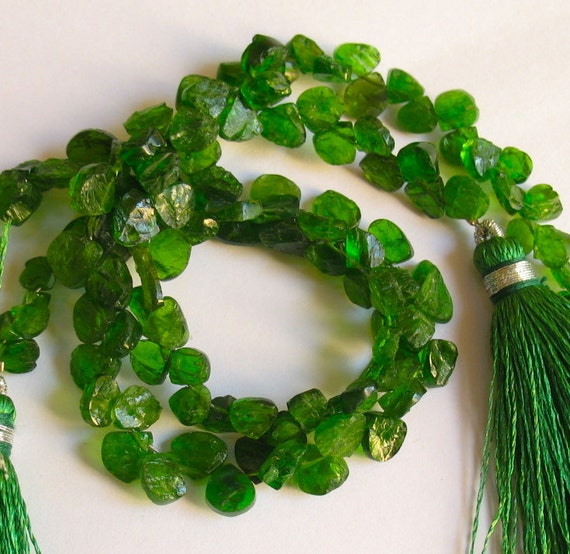 Screaming Vivid Green Russian Diopside Heart Hammered Briolette Beads 1/2ST